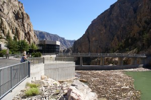 Buffalo Bill Dam & Visitor Center (upstream side).