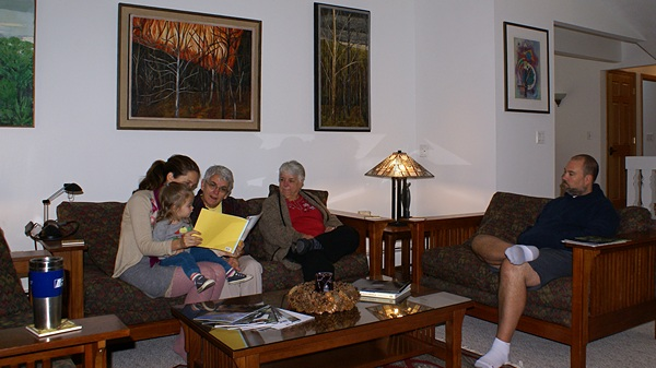 Shawna (mom), Madeline (center of attention), Grandma Linda, Great Aunt Marilyn, and Uncle Chris.