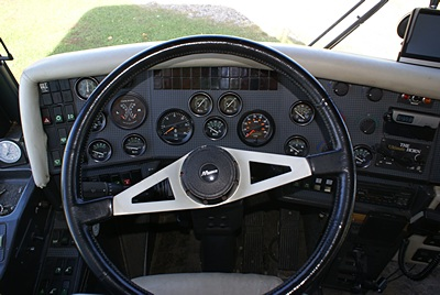 The new VDO speedometer (above & right of center).