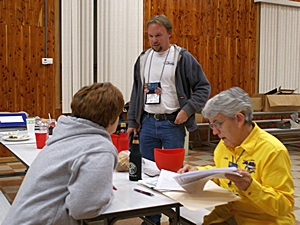 L-to-R:  GLCC secretary Tami Bruner, Newsletter editor Scott Bruner, and Treasurer Linda Fay.