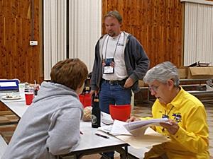 L-to-R:  GLCC secretary Tami Bruner, Newsletter editor Scott Bruner, and Treasurer Linda Fay.