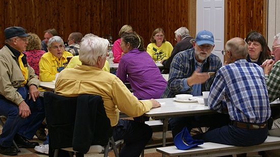 GLCC members gathered for the Friday evening dinner and business meeting.