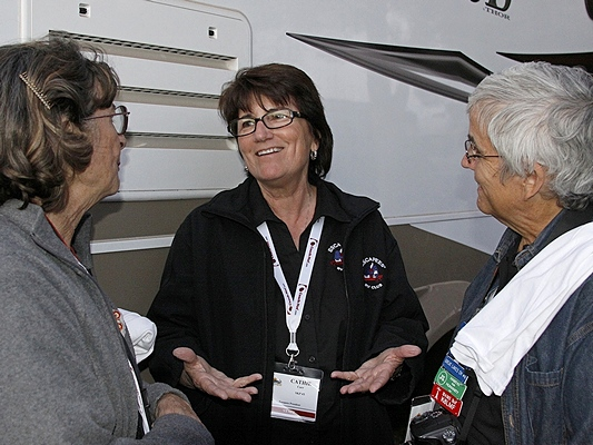 L-2-R:  Chris Guld (Geeks On Tour), Cathie Carr (SKP President), and Linda chatting at the informal Xscapers launch party.
