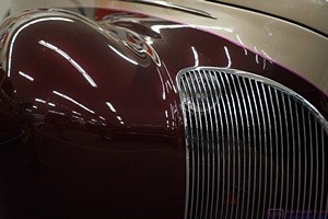The front end of a vintage Lincoln at the Muscle Car Museum in Punta Gorda, FL.  Most of the cars were General Motors products.